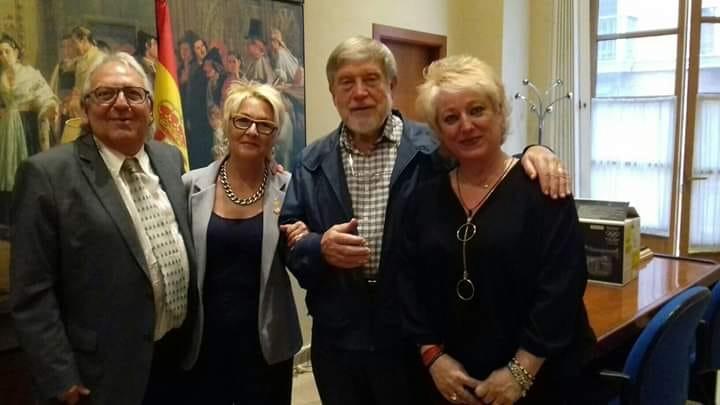 Defenem Valéncia y José Aparicio Pérez